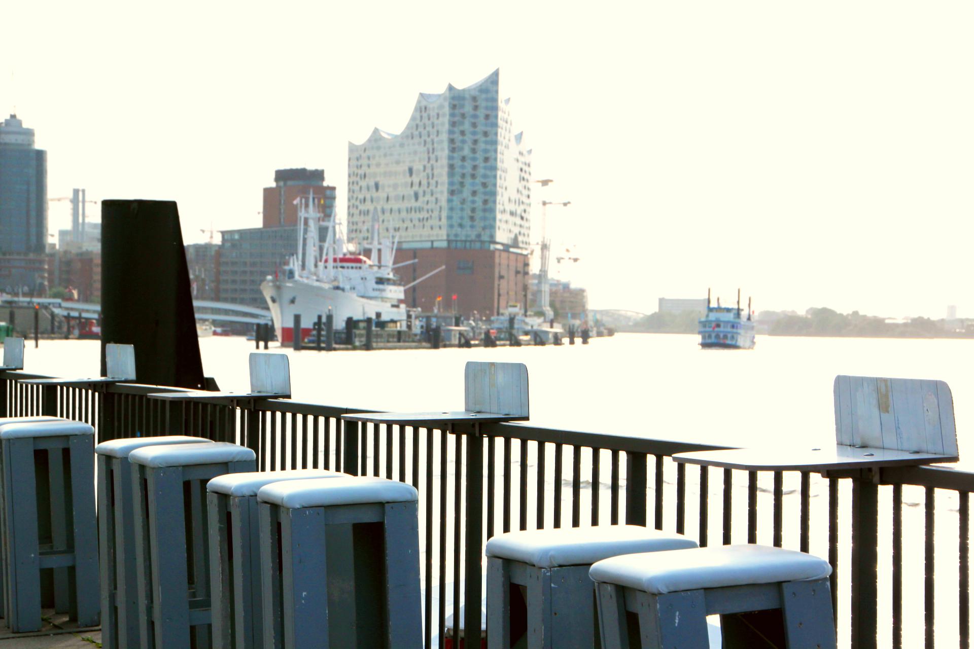 Hafenwirtschaft Hamburg   Biergarten